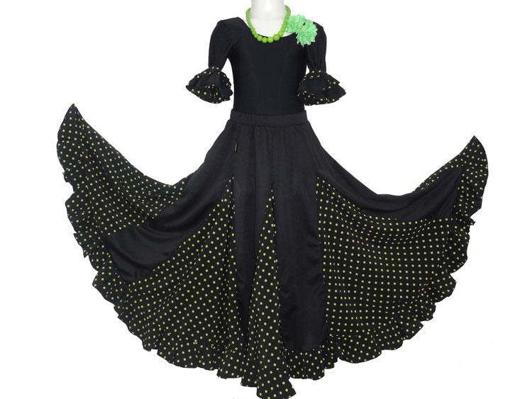 Ensemble de flamenco fillette