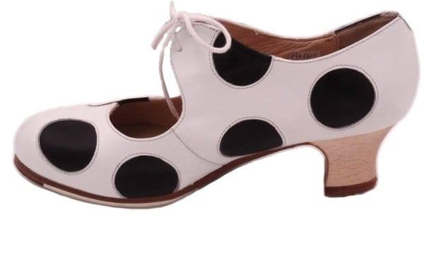 Chaussure begoña cervera pour le Flamenco